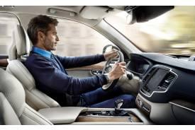 5 claves para sentarse bien al volante de un coche