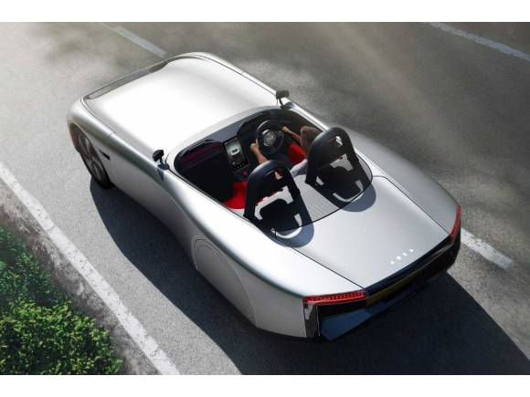 Aura, el coche bala descapotable 100% eléctrico que sueña con llegar a producción