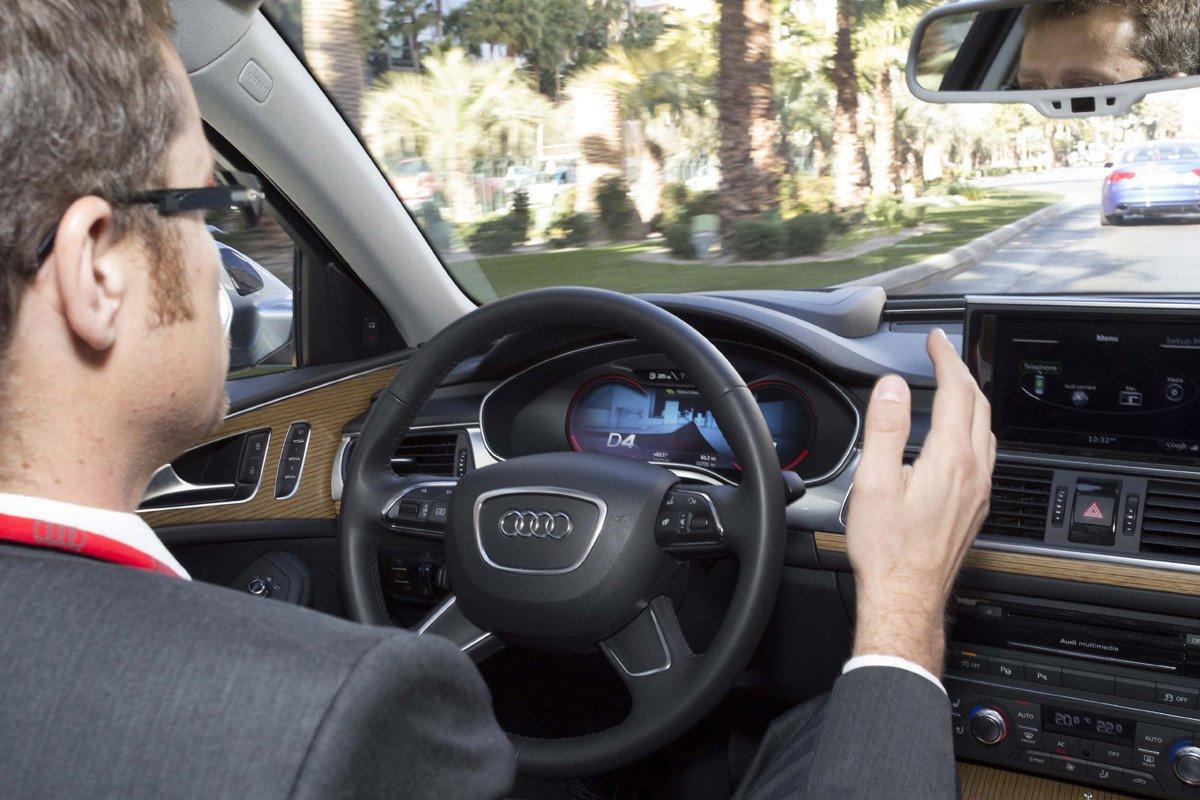 Sistema de Conducción Pilotada en Atascos de Audi