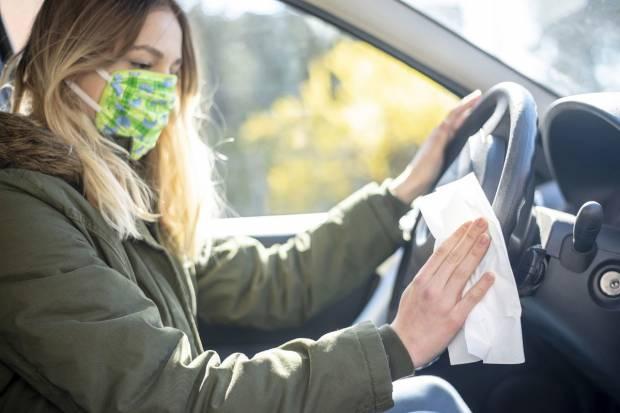 Consejos de conducción en primavera: Tips para controlar las alergias