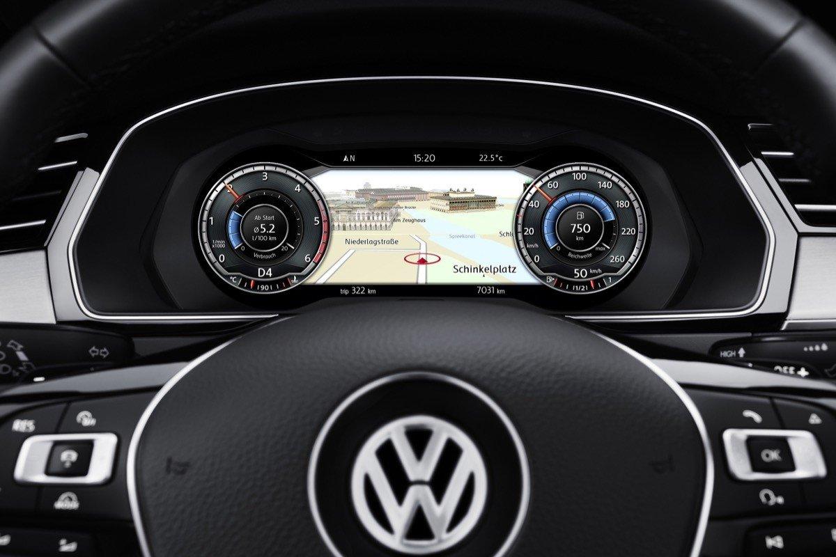 el volkswagen passat ahora tambien  head  display