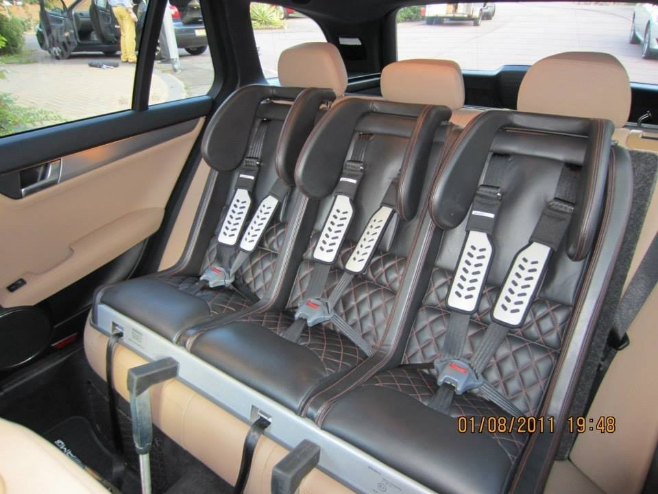 Multimac la soluci n para llevar tres sillas infantiles for Asientos infantiles coche