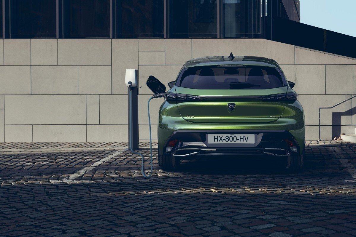 Peugeot e-308 2021