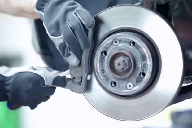 Vídeo: cómo cambiar los frenos de disco de un coche