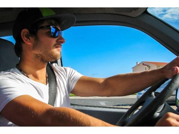 ¿Qué debes revisar en tu coche antes de que llegue el verano?