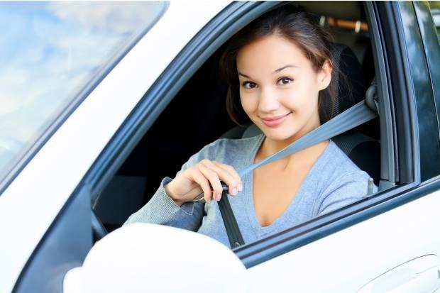 ¿Sabes ponerte correctamente el cinturón de seguridad?