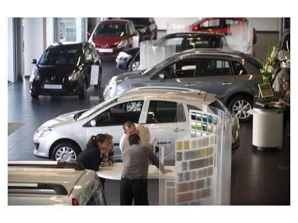 Plan de ayuda a la compra de coche: 2000 euros si entregas un coche viejo