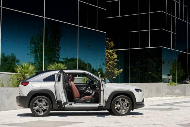 Prueba Mazda MX-30: Opinión, precios e interior de su primer eléctrico 100%