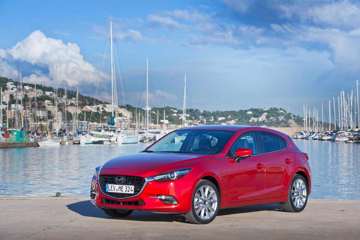 Mazda 3 Rent&Drive
