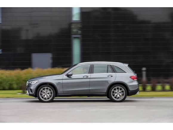 Llega el Mercedes GLC 300 de: híbrido enchufable y diésel