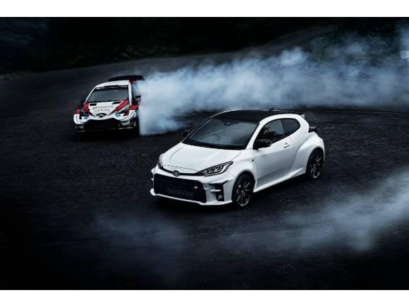 El primer Toyota GR Yaris sale de la fábrica... ¡ya queda menos para verlo!