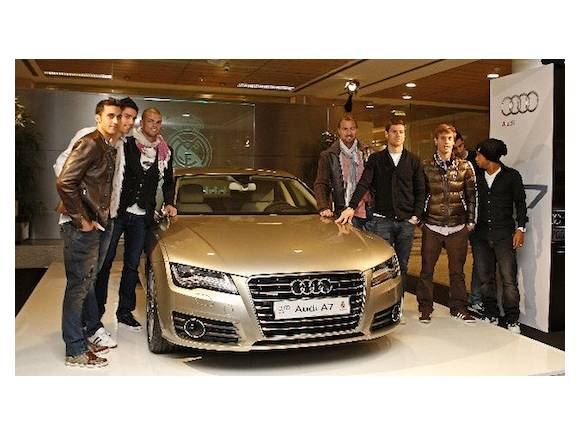 Audi entrega los nuevos coches al Real Madrid