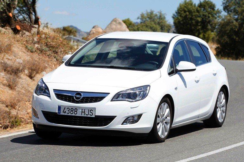 Opel-Astra-1.7-CDTI-ECOFLEX_01