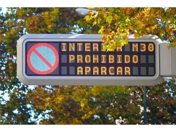 Nuevo protocolo anticontaminación en Madrid: La pegatina no es obligatoria