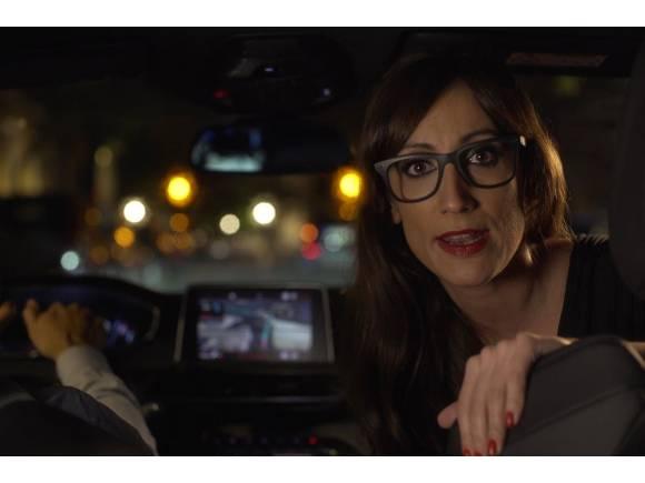 Vídeo: ¿Se vuelven locos los hombres con un coche nuevo?