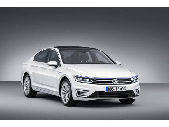 VW anuncia en el Salón de Barcelona el precio del Golf GTE
