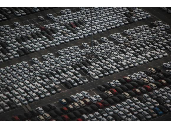 Ventas de coches: en enero se mantiene la caída