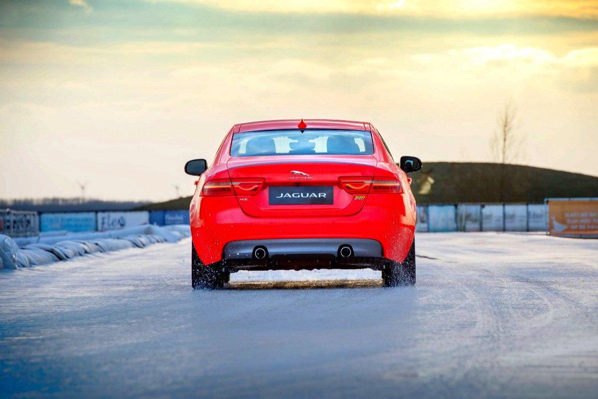Jaguar XE 300 Sport Edition