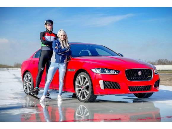 El nuevo Jaguar XE 300 Sport Edition demuestra sus habilidades sobre el hielo