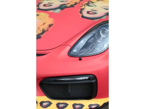 Exposición de Warhol en los concesionarios Porsche