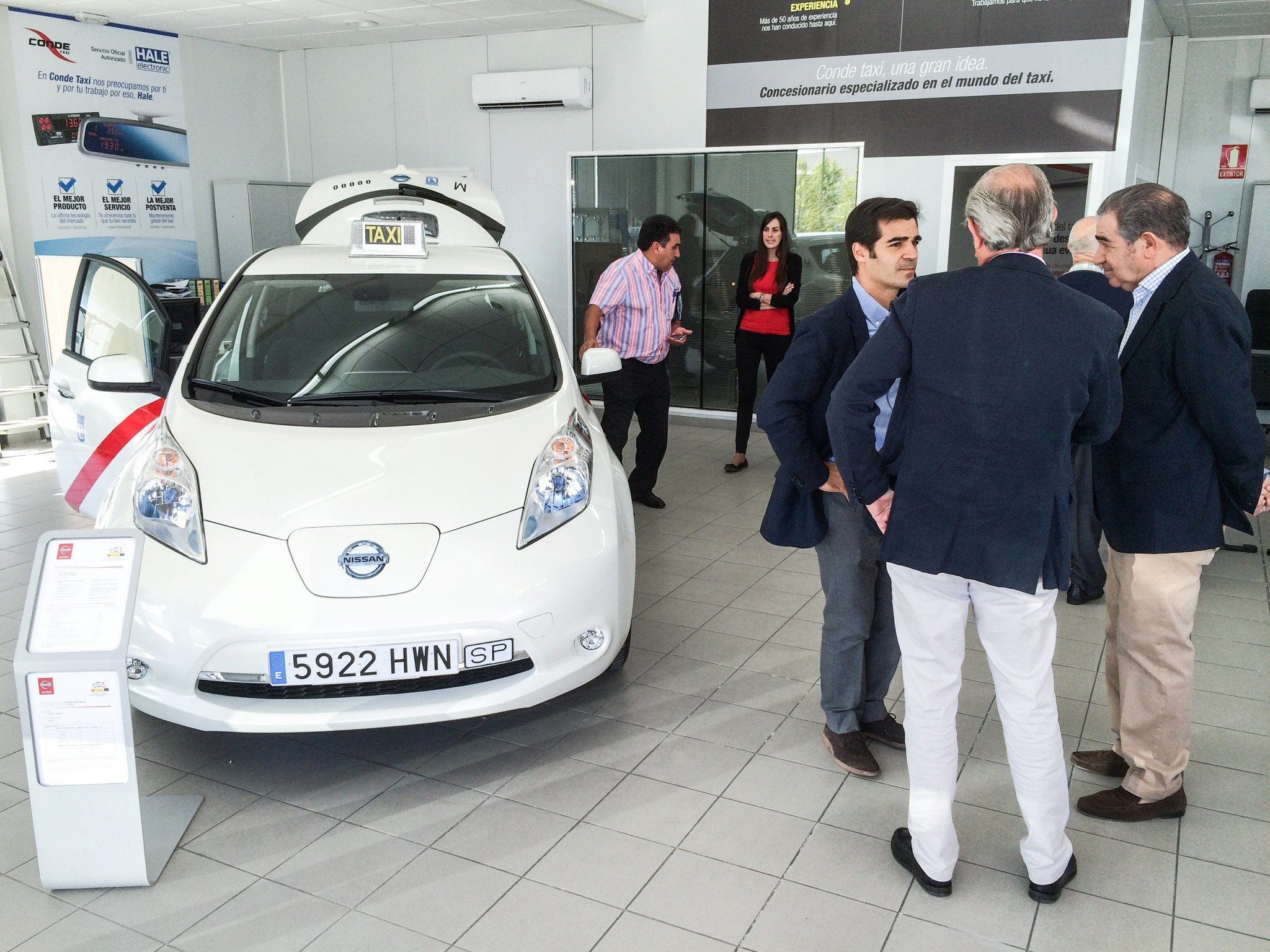 Nissan Leaf e-NV200 taxi Madrid