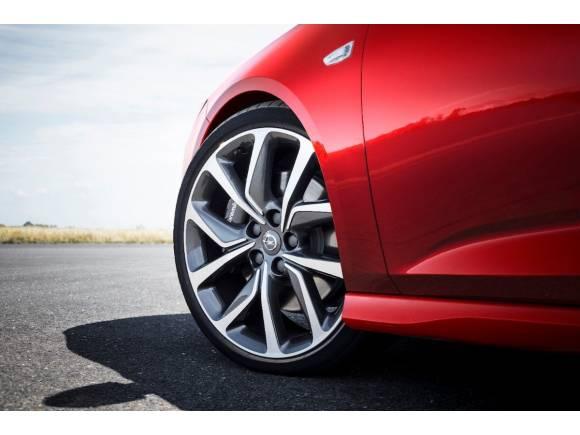 Nuevo Opel Insignia Sports Tourer GSI, en gasolina o diésel