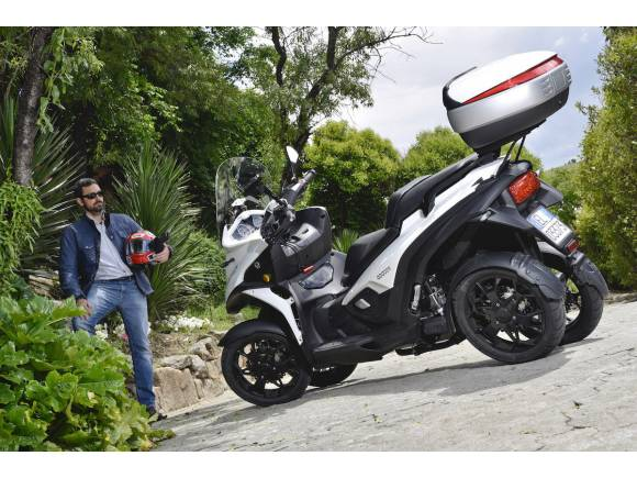 Prueba Quadro Qooder, el scooter de cuatro ruedas