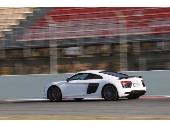 Audi R8 V10 plus, prueba en circuito