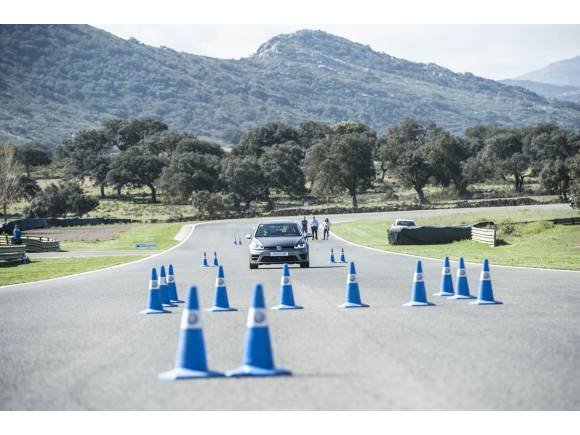 Volkswagen Driving Experience 2017: Escuela R Junior para conductores noveles