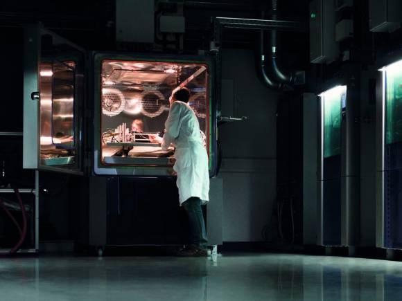 Audi prepara baterías y sistemas de recarga para sus coches híbridos y eléctricos