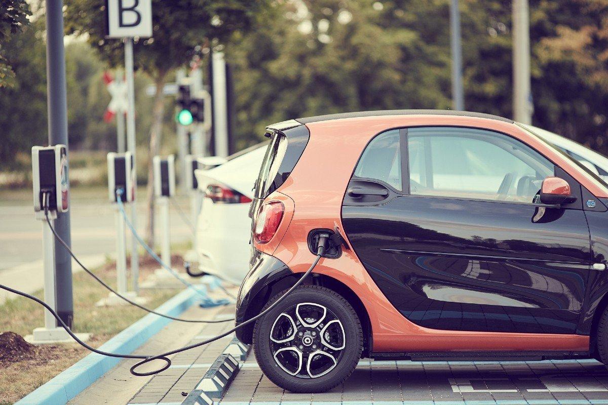 coche eléctrico carga