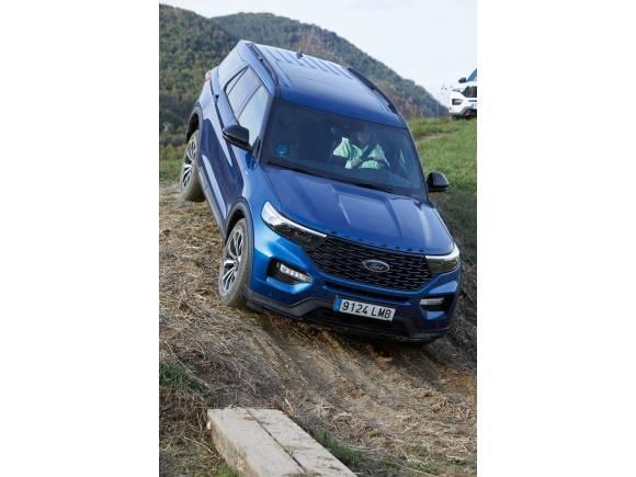 Probamos la Gama Ford AWD: coches seguros y divertidos