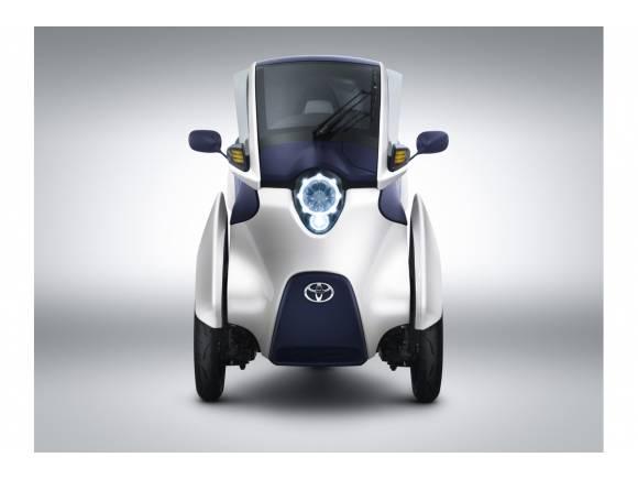 "Toyota i-ROAD, el ""Twizy"" de Toyota, con tres ruedas"