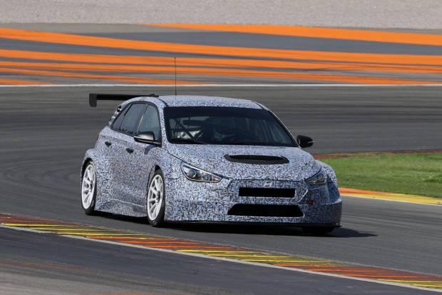 El Hyundai i30 TCR se deja ver por primera vez en el Circuito de Cheste