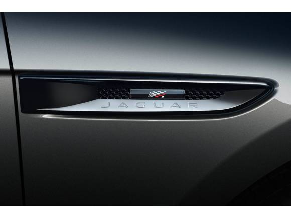Nuevos equipamientos 300 Sport y Chequered Flag para el Jaguar F-PACE