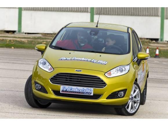 400 jóvenes son ahora conductores más seguros gracias a Ford