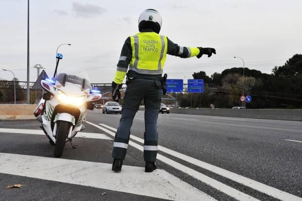 Impago de multa de tráfico: ¿pueden embargarme el sueldo?