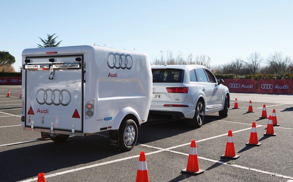 Audi Q7 asistente de remolque