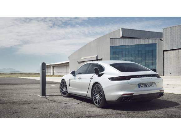 Porsche Panamera Turbo S E-Hybrid: ¡híbridos al poder!