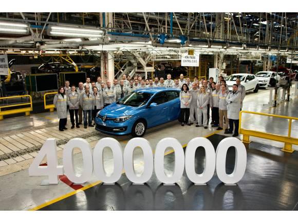 Sale el Renault Megane 4 millones de la factoría de Palencia