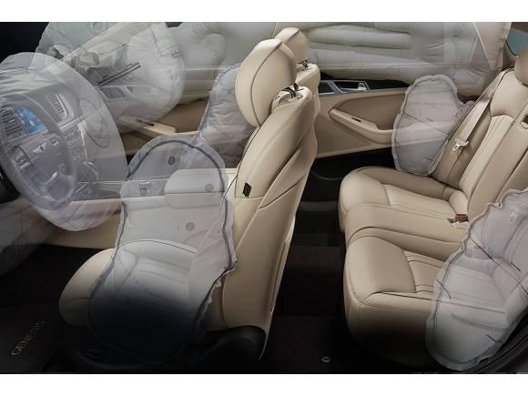 ¿Cuántos airbags puede llevar un coche como máximo?
