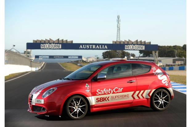 Alfa Romeo patrocinador y safety car del Mundial de Superbikes