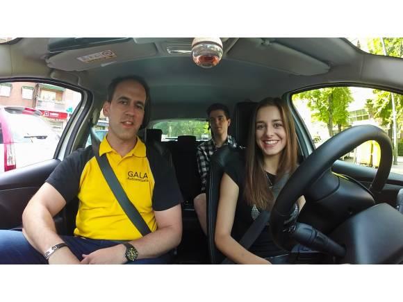 ¿Cómo es el examen práctico de conducir? Trucos para aprobar