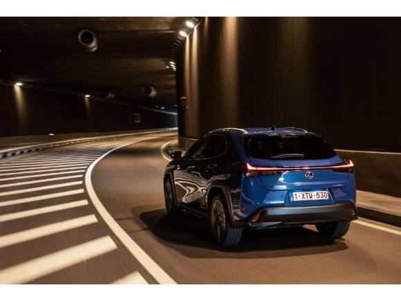 Prueba del Lexus UX 300e, su primer coche eléctrico: opinión, precio, motor,...