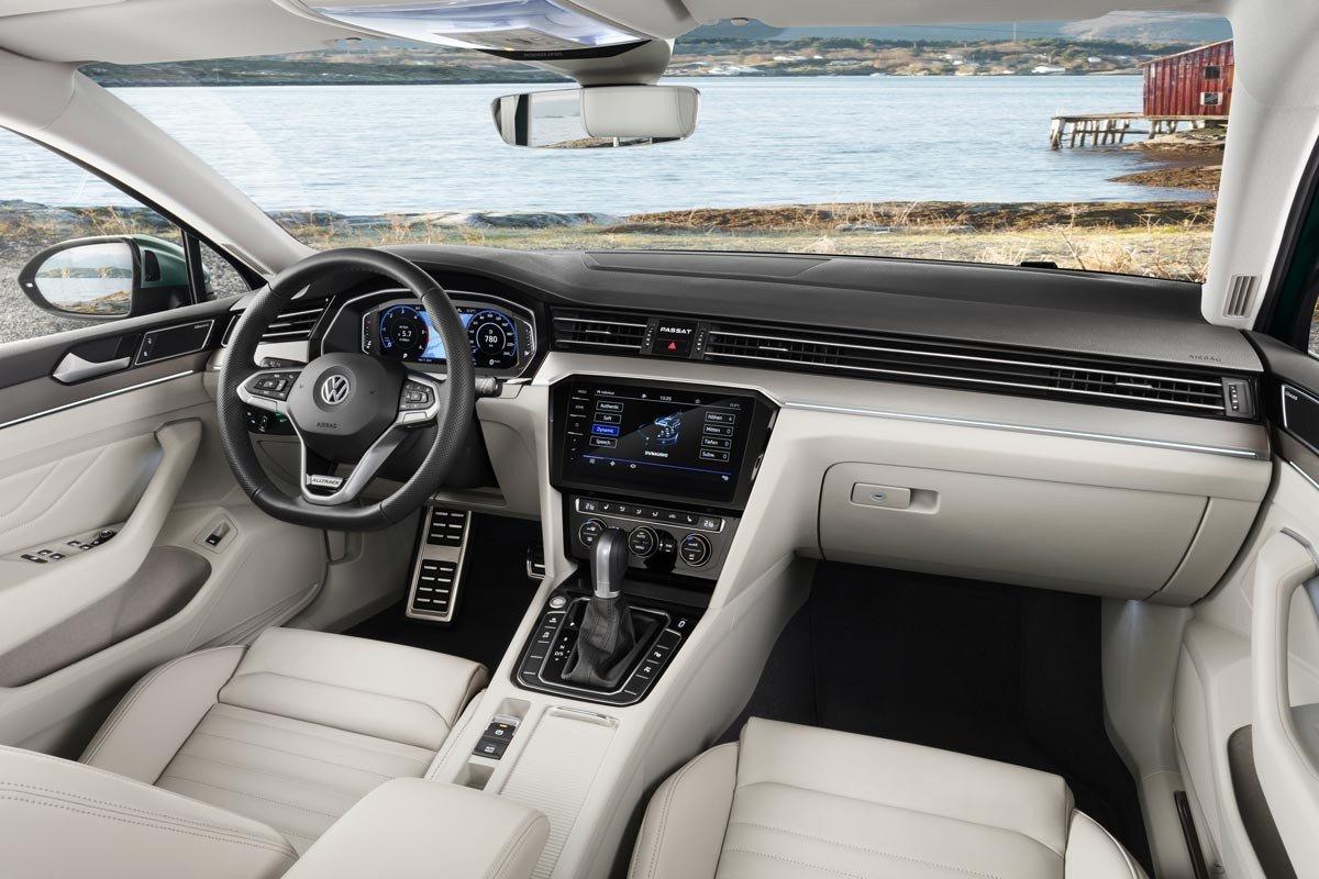 interior Volkswagen Passat Alltrack