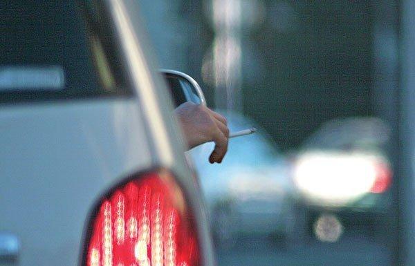 fumar en el coche