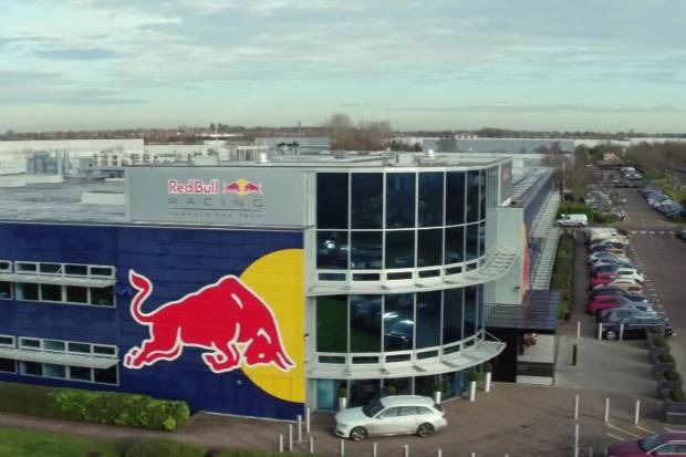 Vídeo: así es por dentro la fábrica del Red Bull F1 Team
