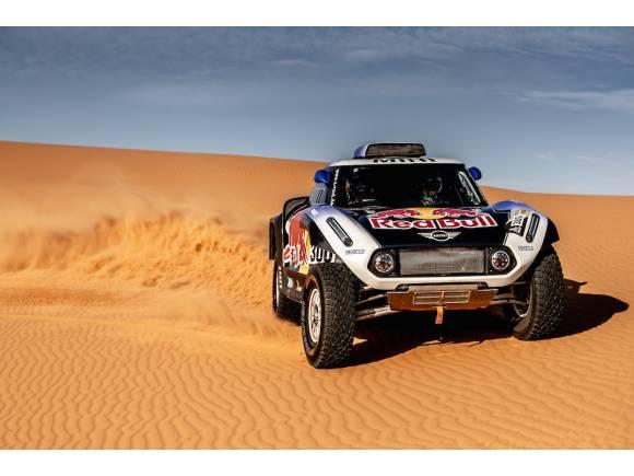 Carlos Sainz y Nani Roma con Mini en el Dakar 2019