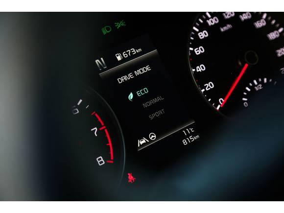 Prueba Kia Stonic: el pequeño SUV se arma de tecnología
