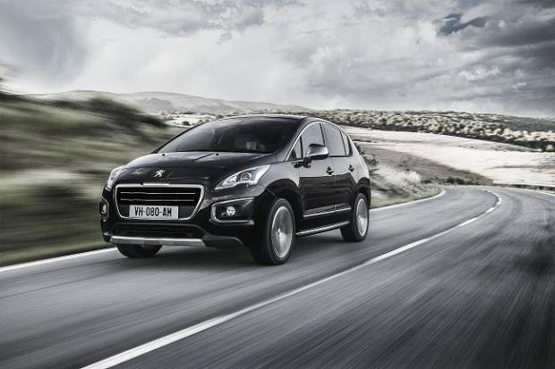 Motor 1.2 PureTech y serie especial Crossway para el Peugeot 3008
